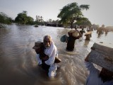 muzaffargarh-flood-evacuation-reuters