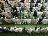 islam-school-pupils-pray-afp