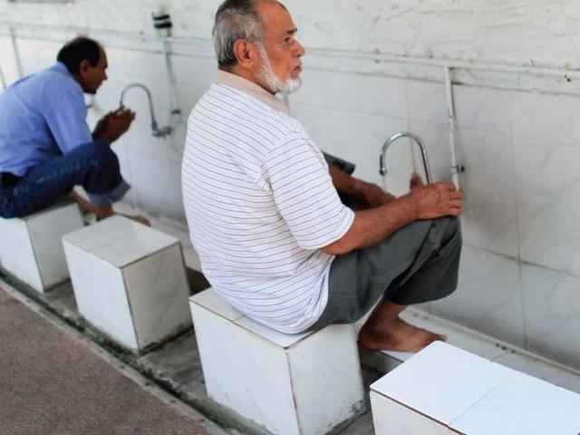 Worshippers perform ablution in Flagler Mosque, Miami. PHOTO: AFP