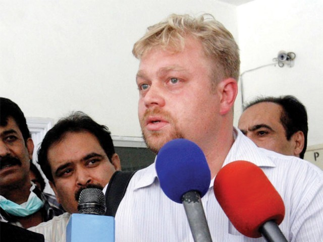 A Russian diplomat speaks to the media in Quetta. PHOTO: INP