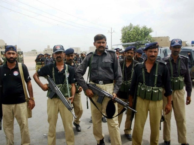 IG Sindh says Karachi situation under control, army intervention not required. PHOTO: EXPRESS