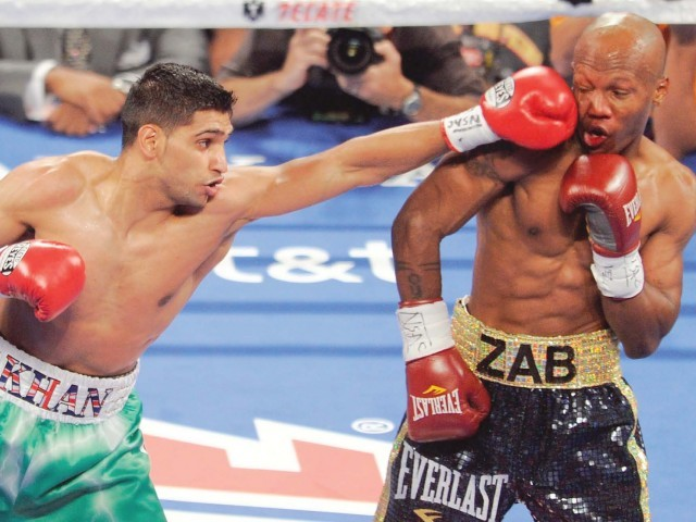 Amir floors Judah to capture IBF title
