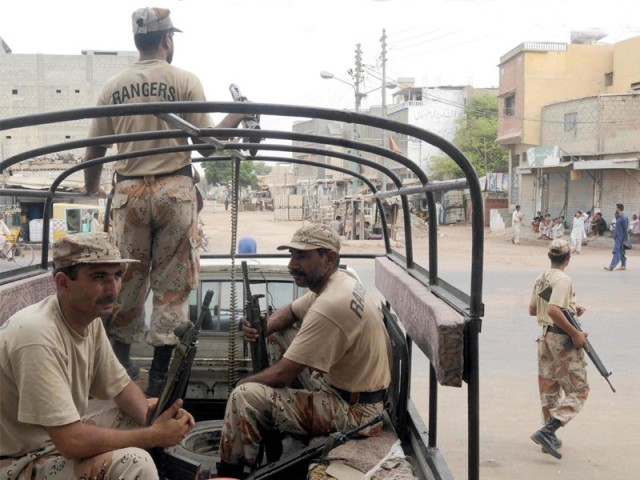 Joint Police and Rangers search operation ends in Landi area; no arrests made. PHOTO: RASHID AJMERI/ EXPRESS