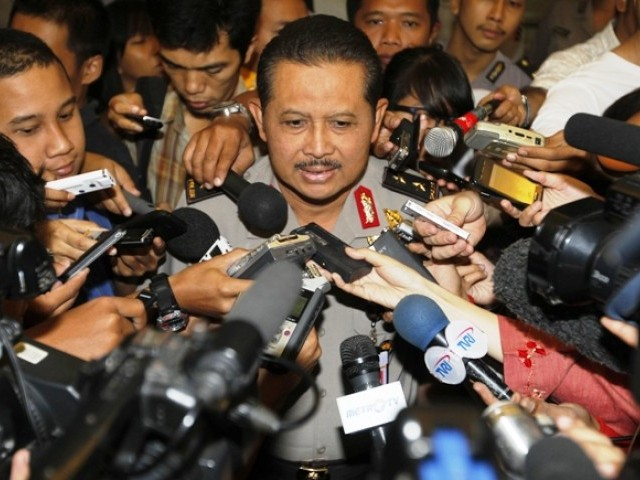 Indonesian Police spokesman, Inspector General Anton Bachrul Alam, talks to reporters at the police headquarters in Jakarta, August 11, 2011. PHOTO: REUTERS