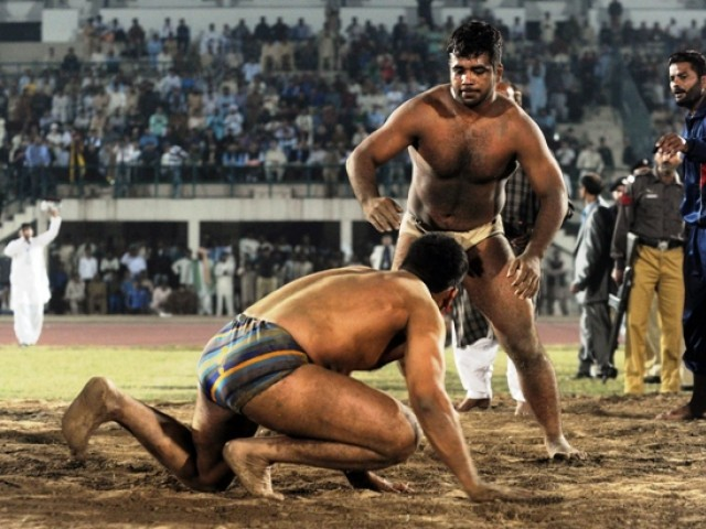 Satindar Singh won the third and final encounter of the Indo-Pak Dangal in Faisalabad. PHOTO: AFP