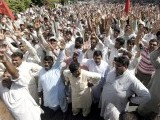 wapda_protest_labour_union_layoff-photo-inp-2