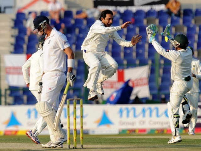 At close on 2nd day, Bell was unbeaten on 4 with England needing 50 runs to overhaul Pakistan's first innings total. PHOTO: AFP