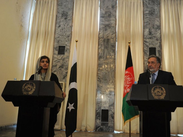 Pakistan Foreign Minister Hina Rabbani Khar adressing a joint press conference along with her Afghan counterpart Zalmai Rasool in Kabul on February 1, 2012. PHOTO: AFP