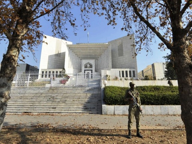 During hearing of 2nd FIR, court orders AG to send notice to Musharraf's residence in London. PHOTO: AFP/FILE