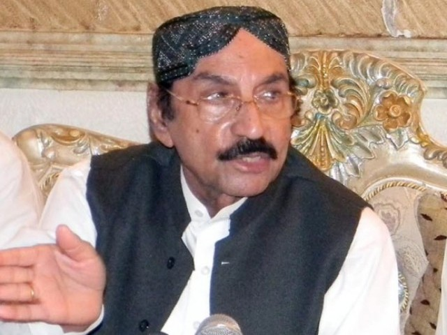 Qaim Ali Shah, updated the media on the efforts made by the Pakistan Peoples Party (PPP) to improve the country.  PHOTO: EXPRESS