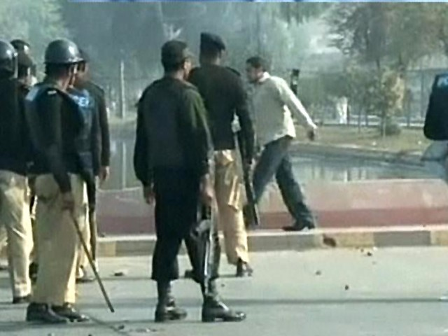 Clash broke out between Pukhtoon Students Federation and Islami Jamiat Talaba at FFUAST Gulshan-e-Iqbal campus. PHOTO: FILE