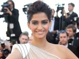 sonam-kapoor-photo-file