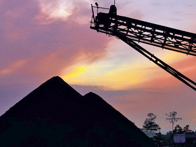 Sindh government granted the long-awaited lease for a block on the Thar coalfield and extends for 30 years with an option be renew it for a further three decades. PHOTO: FILE