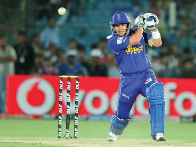 A superb 21-ball 48 from Brad Hodge powered Rajasthan Royals to a five-wicket win over Deccan Chargers. PHOTO: AFP