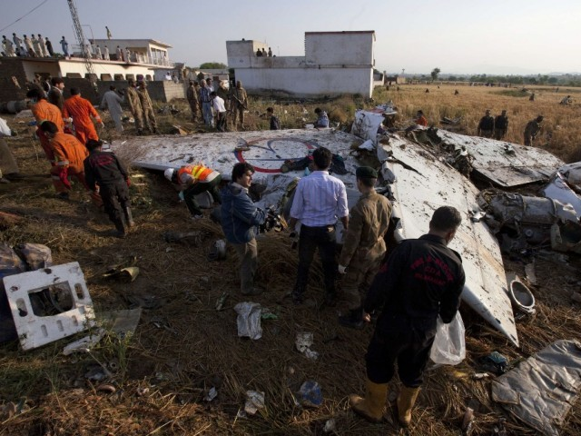 Initial investigation report from air traffic control reveals plane's rapid descend caused fuel tank to burst. PHOTO: REUTERS/FILE