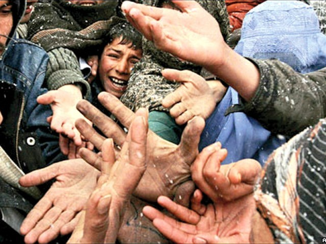 Nearly 400,000 Afghan immigrants live in Peshawar, provincial govt cannot bear burden anymore, says Peshawar DCO. PHOTO: FILE