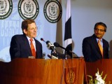Marc Grossman (L), the US special representative for Afghanistan and Pakistan, talks to journalists with Pakistan's foreign secretary Jalil Abbas Jilani (R) during a joint press conference in Islamabad on April 26, 2012. PHOTO: AFP