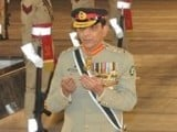 general-ashfaq-pervez-kayani-wreath-martyrs-shuhada-shaheed-martyr-photo-ispr-2