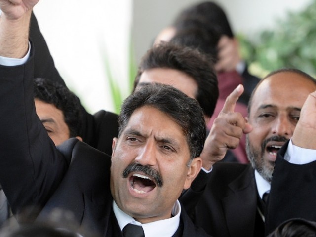 Office bearers of the Sindh Bar Council vowed to jealously guard the independence of judiciary. PHOTO: AFP/FILE