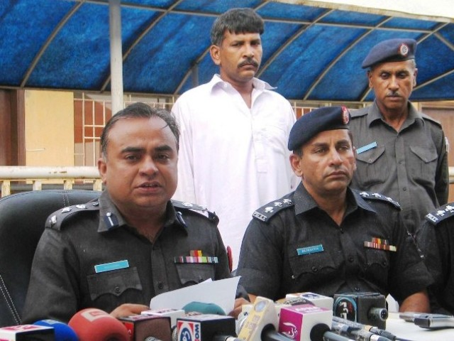 SSP East Khadim Hussain Rind briefing the media. PHOTO: EXPRESS/IRFAN ALI