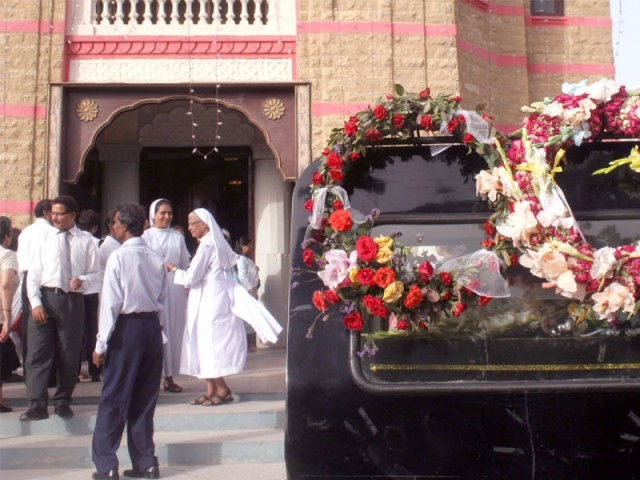 A large crowd turned up to bid farewell to Mrs Rita de Souza, who died on Saturday.  PHOTO: ATHAR KHAN/EXPRESS