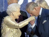 Britain's Prince Charles kisses the hand of his mother Queen Elizabeth at the end of her Diamond Jubilee concert in front of Buckingham Palace in London June 4, 2012. PHOTO: REUTERS