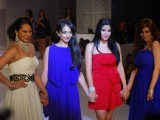 sonakshi-sinha-and-koena-mitra-walks-for-queenie-show-photo-ians-2-2