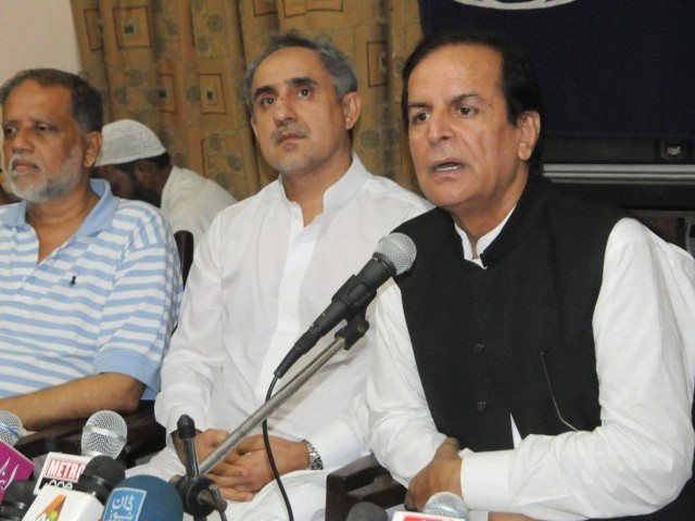 Hashmi continued to hit out at his former party, the Pakistan Muslim League-Nawaz (PML-N), on the third day of his trip to Karachi. PHOTO: EXPRESS/IRFAN ALI