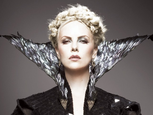 Charlize Theron, who plays the malevolent Queen Ravenna, keeps the audience captivated with her chilling performance. PHOTO: FILE