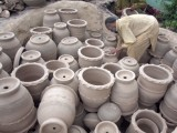 Pots laid out under the Sun to dry. PHOTO: MUHAMMAD IQBAL/ THE EXPRESS TRIBUNE