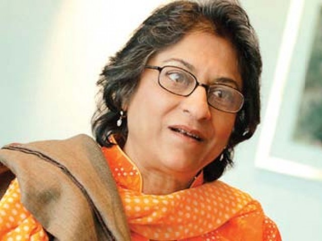Local twitterati attack Asma Jahangir after she says PTI part of anti-judiciary conspiracy. PHOTO: FILE