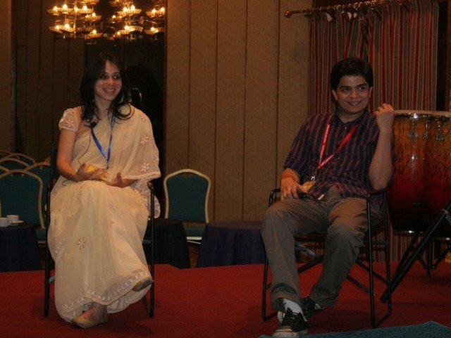 "Annie Zaidi and Jugal Mody during ""The Art of Storytelling"". PHOTO: ATHAR KHAN/ THE EXPRESS TRIBUNE"