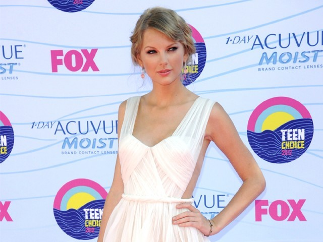 Top winners shining bright at the Teen Choice Awards this Sunday. PHOTO: REUTERS