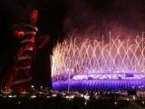 Fireworks explode over the Olympic Stadium during the closing ceremony of the London 2012 Olympic Games August 12, 2012.  PHOTO: REUTERS/FILE.