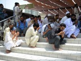 Pakistani Muslims offer Jumat-ul-Vida prayers on the last Friday of Ramazan in Karachi on August 17, 2012. PHOTO: AFP