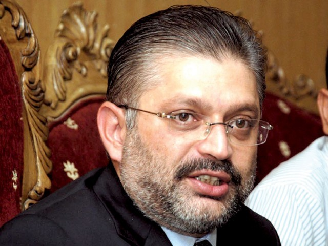 During the Sindh Assembly session on August 7, Memon had accused the chief justice of supporting a dictator and demanded an apology from him, PHOTO: EXPRESS