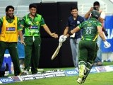Pakistani batsman Umar Akmal completes the winning run during the second Twenty20 international cricket match against Australia. PHOTO: AFP