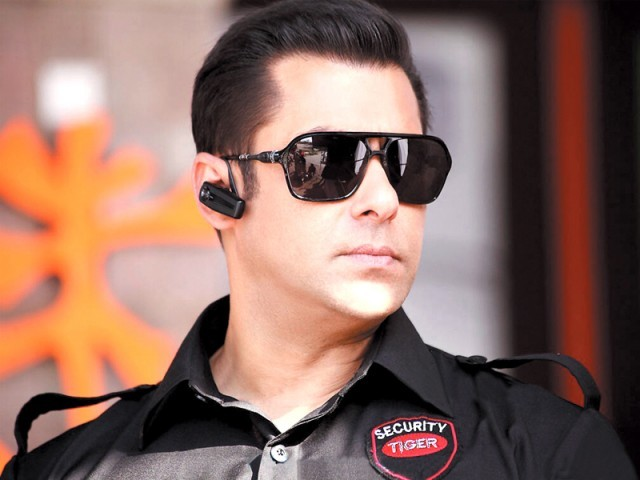 The 47-year-old actor has emerged as the highest taxpayer in Bollywood forking out INR80 million. PHOTO: FILE