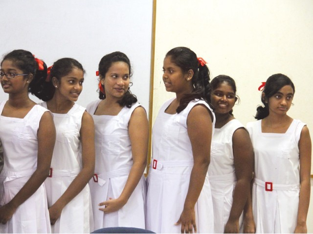 Sri Lankan school girls