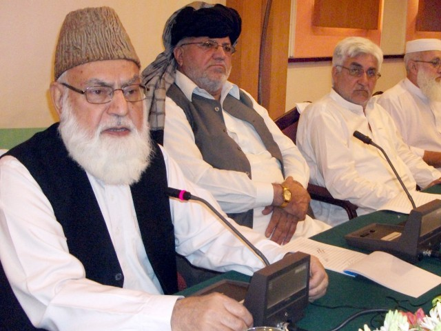 Qazi Hussain Ahmed asks Afghan president to convene jirga between govt, Hezb-e-Islami, Taliban. PHOTO: EXPRESS/SAMEER RAZIQ