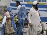 afghan-refugees-flee-from-the-troubled-area-of-bajaur-tribal-region-in-pakistan-2-2