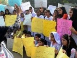 asim-farooqi-girls-school-protest-2