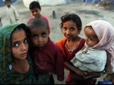children-flood-pakistan-afp-3