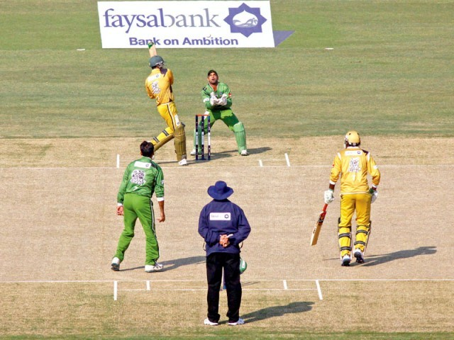 Bahawalpur Stags kicked off the National Twenty20 Cup with a brilliant performance, shocking the fancied  Rawalpindi Rams by 19 runs (above) while Multan Tigers strolled to a 10-wicket win over the hapless Quetta Bears (below). PHOTO: SHAFIQ MALIK/EXPRESS