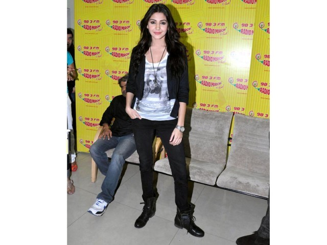 Anushka Sharma arrives at a music event in India wearing an unbecoming outfit.