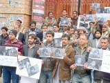 Balochistan union of journalist protest at Quetta Press Club on Friday against killing of media persons in Quetta blast. PHOTO: PPI