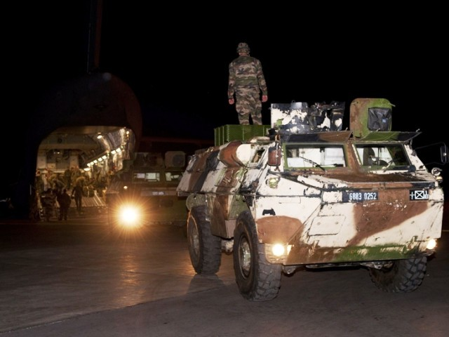 French troops off to fight insurgents. PHOTO: AFP