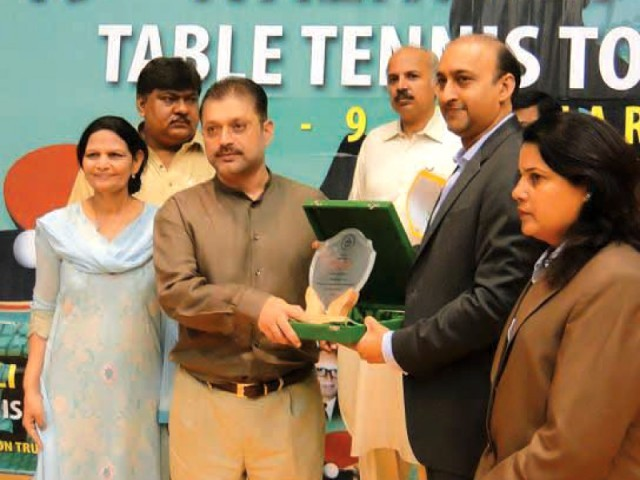 Sharjeel Memon attends closing ceremony of a sports tournament at Nasra School in Karachi. PHOTO: AGENCIES