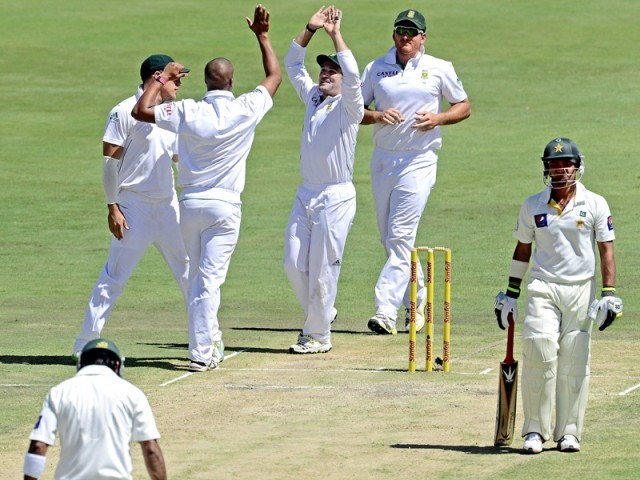 The day solely belonged to South Africa's bowlers as they dismissed Pakistan for 156 in the first-innings of the third Test, forcing the tourists to follow-on. PHOTO: AFP