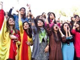 girls-photo-the-express-tribune